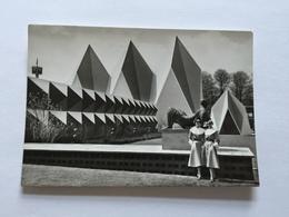 19A - Expo Universelle Bruxelles 1958 Epicarte Pavillon Grande Bretagne Great Britain Avec Hotesse - Expositions
