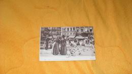 CARTE POSTALE ANCIENNE CIRCULEE DE 1918.../ LYON.- LES PIGEONS DE LA PLACE DES TERREAUX...CACHET.. - Lyon