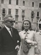 Cartolina  - Postcard / Non  Viaggiata -  Unsent -  Grace Kelly E Ranieri Di Monaco  ( Moderna ) - Artisti