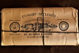Antieke  Rond 1891 Origineel Pakje Met 9 Stuks Bobijntjes Garen    CUMONT  DE CLERCQ  ALOST - Autres Collections