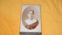 PHOTO ANCIENNE DATE ?.../ PORTRAIT FEMME...EUG. PIROU PARIS...10,5CM X 16,2CM... - Persone Anonimi