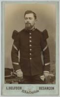 CDV Militaire 1890-1900 L. Delfoch à Besançon . 60 Sur Le Col . - Oud (voor 1900)