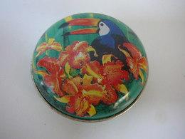 """YVES ROCHER """"BOITE  SIGLEE  """" YR """" VIDE   LIRE ET VOIR!! - Modern Miniatures (from 1961)"""