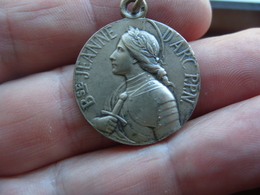Medaille Jeanne D'Arc Dieu Et Patrie - Otros