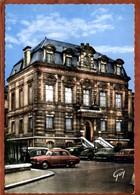 92  CPSM De SAINT-CLOUD     L'Hôtel De Ville    Joli Plan, Voitures Dont Renault Dauphine, 203, 403... Très Bon état - Saint Cloud