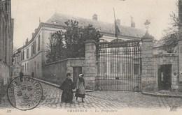Dép. 28 - CHARTRES. - La Préfecture. Animée. Tampon Militaria 1919.  ND Phot. N° 117 - Chartres