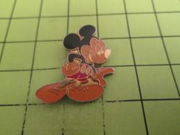 411e Pin's Pins / Beau Et Rare : THEME : DISNEY / MICKEY - Disney