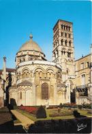 ANGOULEME - Cathédrale Saint-Pierre - Le Chevet, La Grande Coupole Et La Tour - Angouleme