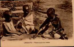LESSOUTO....FILLETTES JOUANT AUX OSSELETS....CPA ANIMEE - Lesotho