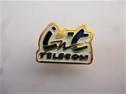 PINS  INT TELECOM / Signé SP / 33NAT - France Telecom