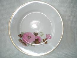 Dessert Plate Of The USSR - Khaitinsky Porcelain Factory - USSR - Russia - Porcelain - Flowers - A Rarity - Beautiful. - Céramiques