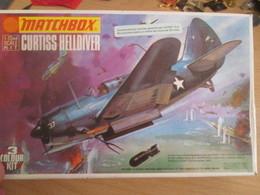 RARE Kit Collector MATCHBOX CURTISS HELLDIVER Maquette Plastqiue à Construire 1/72 , Complète Et Non Commenéce - Airplanes