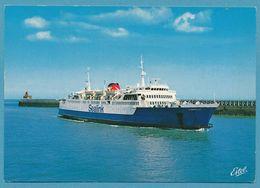 CALAIS - Le Ferry CHANTILLY De La Compagnie SEALINK Doublant La Jetée Vers La Gare Maritime - Ferries