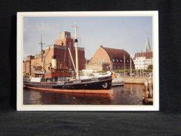 Bussard Kiel Schiffahrtsmuseum__(U-1451) - Schiffe