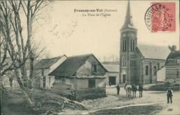 80 FRESNOY AU VAL / La Place De L'Eglise / - Autres Communes