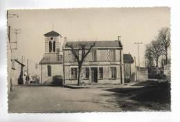 79 - SAINT-LIGUAIRE ( D.-S. ) - ( La Poste. Eglise ) - Carte Glacée - France