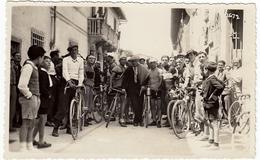 FOTOGRAFIA - CICLISMO - GARA CICLISTICA ANTEGUERRA - LUOGO DA CLASSIFICARE - Vedi Retro - Ciclismo