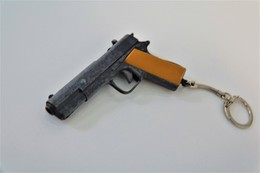 Vintage TOY GUN :  VICTORY M1911 - KEYCHAIN - L=9cm - 1960 - Keywords : Cap - Cork Gun - Rifle - Revolver - Pistol - Tin - Armes Neutralisées