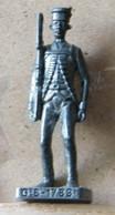 MONDOSORPRESA, (SLDN°54) KINDER FERRERO, SOLDATINI IN METALLO GUARDIA BRITANNICA G.B 1783 -SCAME 40MM - Figurine In Metallo