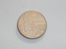 Pin's PIECE DE 100 FRANCS, VICTOIRE DE SAMOTHRACE, Signe CLUB FRANCAIS DE LA MONNAIE - Badges