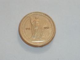 Pin's PIECE-MEDAILLE, AU NOM DE LA REPUBLIQUE FRANCAISE, 1792-1992, Signe CLUB FRANCAIS DE LA MONNAIE - Badges