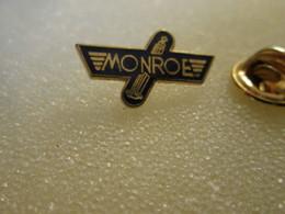 PIN'S    MONROE  AMORTISSEUR  Email  Grand Feu - Ferrari