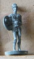 MONDOSORPRESA, (SLDN°64) KINDER FERRERO, SOLDATINI IN METALLO CAVALIERI 35 MM C13 - Figurines En Métal