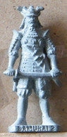 MONDOSORPRESA, (SLDN°76) KINDER FERRERO, SOLDATINI IN METALLO SAMURAI 4 GIAPPONESI 1600 - K93 N140 40 MM VECCHIO ARGENTO - Metal Figurines