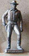MONDOSORPRESA, (SLDN°90) KINDER FERRERO, SOLDATINI IN METALLO COWBOY 1° WYAT EARP  VECCHIO BRUNITO E OTTONE - Metal Figurines