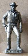 MONDOSORPRESA, (SLDN°93) KINDER FERRERO, SOLDATINI IN METALLO COWBOY 1° WYAT EARP VECCHIO ARGENTO - Metal Figurines