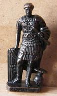 MONDOSORPRESA, (SLDN°99) KINDER FERRERO, SOLDATINI IN METALLO ROMANI 100/300 N° 3 SCAME BRUNITO - Figurines En Métal
