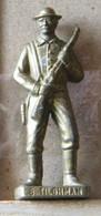 MONDOSORPRESA, (SLDN°102) KINDER FERRERO, SOLDATINI IN METALLO COWBOY 1° BILL TILGHMAN VECCHIO OTTONE BRUNITO - Figurines En Métal