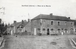 58)  RAVEAU  -  Place De La Mairie - Andere Gemeenten