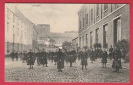 Soignies - Etablissement Des Religieuses - Pensionnat - Ecole Moyenne - La Cour ... éléves  - 1911 ( Voir Verso ) - Soignies