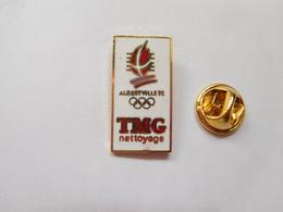 Beau Pin's En EGF , JO , Jeux Olympiques  Albertville 1992 , TMG Nettoyage , Signé COJO 1991 - Jeux Olympiques