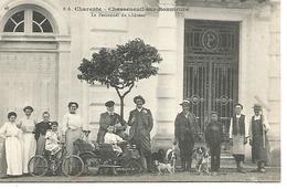 Col2/     16  Chasseneuil Sur Bonnieure   Rare Cliché Braun    Le Personnel Du Chateau           (animations) - Francia