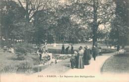 75 PARIS SQUARE DES BATIGNOLLES CARTE PRECURSEUR PAS CIRCULEE - Places, Squares