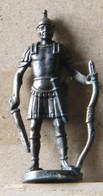 MONDOSORPRESA, (SLDN°106) KINDER FERRERO, SOLDATINI IN METALLO ROMANI 100 - 400 40 MM - Metal Figurines