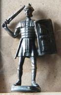 MONDOSORPRESA, (SLDN°107) KINDER FERRERO, SOLDATINI IN METALLO ROMANI 100 - 400 40 MM - Figurine In Metallo