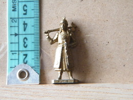 MONDOSORPRESA, (SLDN°114) KINDER FERRERO, SOLDATINI IN METALLO UNNI 2 K95 N108 - Metal Figurines