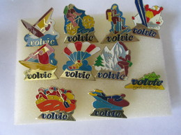 PIN'S   Lot  10  Volvic - Beverages