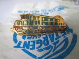 PIN'S   TRAIN  E 525   Zamak Neuf En Sachet  METARGENT - Transportation