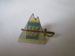 PIN'S   EDF  GDF    PYRENEES  GASCOGNE - EDF GDF