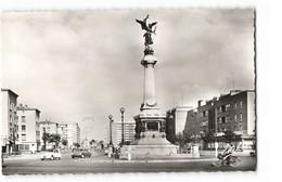 59 Dunkerque Le Monument De La Victoire Vieille Voiture Auto Citroen DS 2cv Chevaux CPSM PF Edit Estel N°117153 Photo - Dunkerque