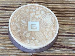 Ancienne Boite à Fard Parfumerie Grenoville, Collection Diverse Parfum Poudre - Produits De Beauté