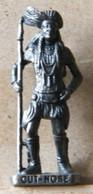 MONDOSORPRESA, (SLDN°116) KINDER FERRERO, SOLDATINI IN METALLO INDIANI SECONDA SERIE, CUT NOSE, 40 MM VECCHIO BRUNITO - Figurines En Métal