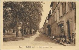CPA - édit; Geb - CAZALS (Lot) - La Place Et Grande Rue - Cazals