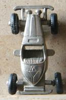 MONDOSORPRESA, (SLDN°128) KINDER FERRERO, MACCHININA IN METALLO 1984/1985 MERCEDES INCOMP1928 - INCOMPLETA PER RICAMBIO - Metal Figurines
