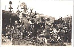 FR06 NICE - Carte Photo - La Reine Et Ses Suivantes - Animée - Belle - Carnaval
