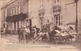 """CPA: UN JOUR DE FOIRE MACHINE AGRICOLE """"LE PROGRÈS"""" (58) .ÉCRITE - France"""